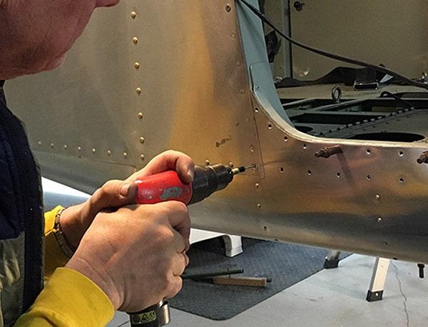 Outil d'ébavurage MicroLimit par Cogsdill ébavurage peau d'avion